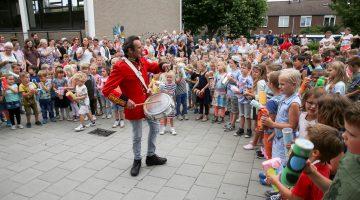 Trommel- en schudworkshop op BS De Schrank Ospel (Foto's)