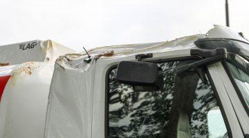 Boom op vrachtwagen