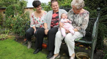 Vier generaties vrouwen in Nederweert