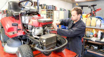 Is je grasmaaier of tuingereedschap aan een onderhoudsbeurt toe?