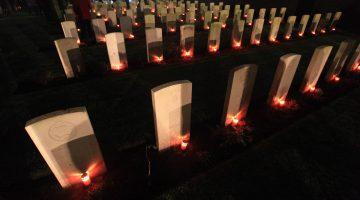 Lichtjes op oorlogsgraven Nederweert