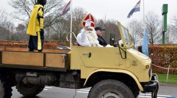 Sinterklaas vast in de modder