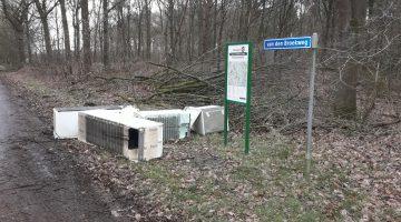 Koelkasten gedumpt in buitengebied