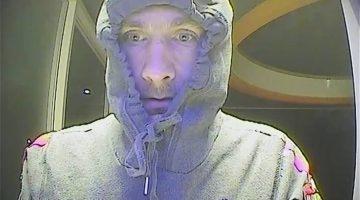 Politie zoekt bankpas dief