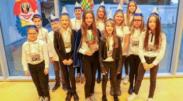 Prinses Merle en haar adjudanten Evelien en Anouk (Foto's)
