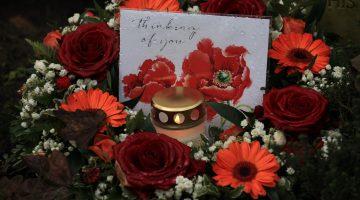 Kaarsjes op Brits kerkhof Nederweert