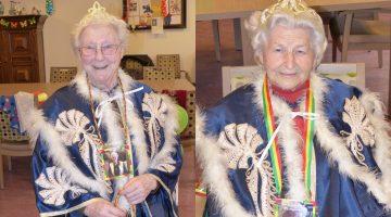 Anneke en Annie prinsessen tijdens Vastelaovendj in de Huiskamer Nederweert