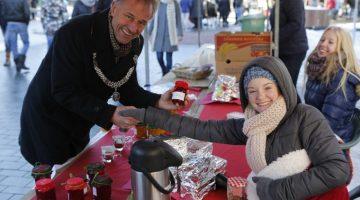 Oranjevrijmarkt in Weert op Koningsdag