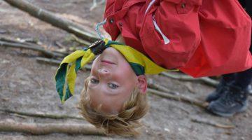 Houtsberg gehuld in Scoutingkleuren vanwege het 65 jarig jubileum