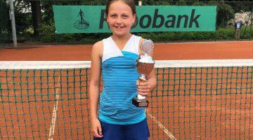 Floor Küster (10) Limburgs Kampioen tennis