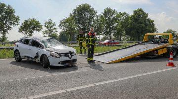Auto over de kop op A2 bij Nederweert