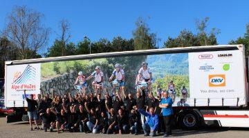 Edwin Vaes rijdt mee in konvooi vrachtwagens Team Logistiek Alpe D'HuZes