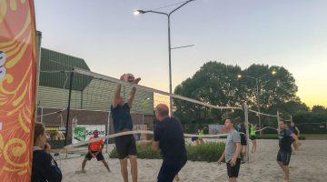 Tropicana en Beachgirls winnen 3e avond van Open Beach Volleybal Toernooi