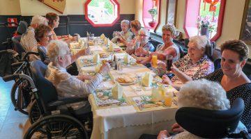 Cliënten St. Joseph naar Chinees restaurant Mei Garden Nederweert