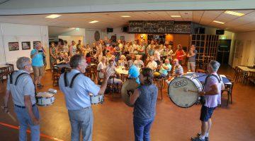 Nieuwe snare drums voor Harmonie St. Joseph Nederweert