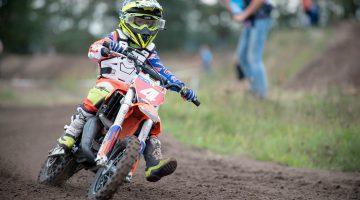 Motorcross wedstrijden in Leveroy | de kleinste zijn amper 5 jaar (Foto's)