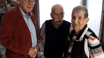 Lei Vaes 90 jaar, burgemeester en wethouder op bezoek