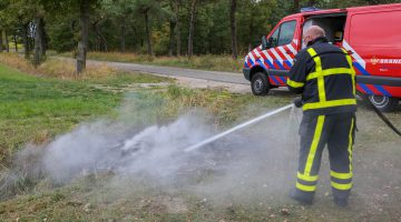 Brandweer blust brandje Heugterbroekdijk