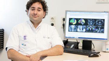 Lezing neurochirurg Yasin Temel in Theater de Huiskamer
