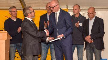 Boek 'Broedvogels van Nederweert' kroon op jubileumjaar Vogelwerkgroep