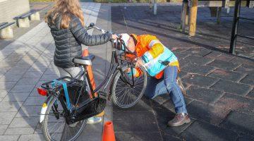Fietsverlichtingsactie OBS De Klimop Nederweert (Foto's)
