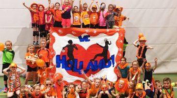 MEOS F-jeugd mogen mee oplopen wedstrijd Nederland-Angola
