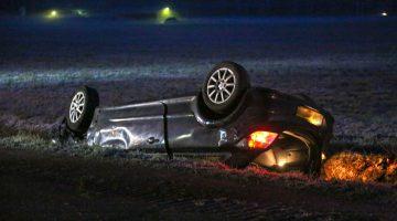 Gladheid: Auto in de sloot, bestuurder gewond