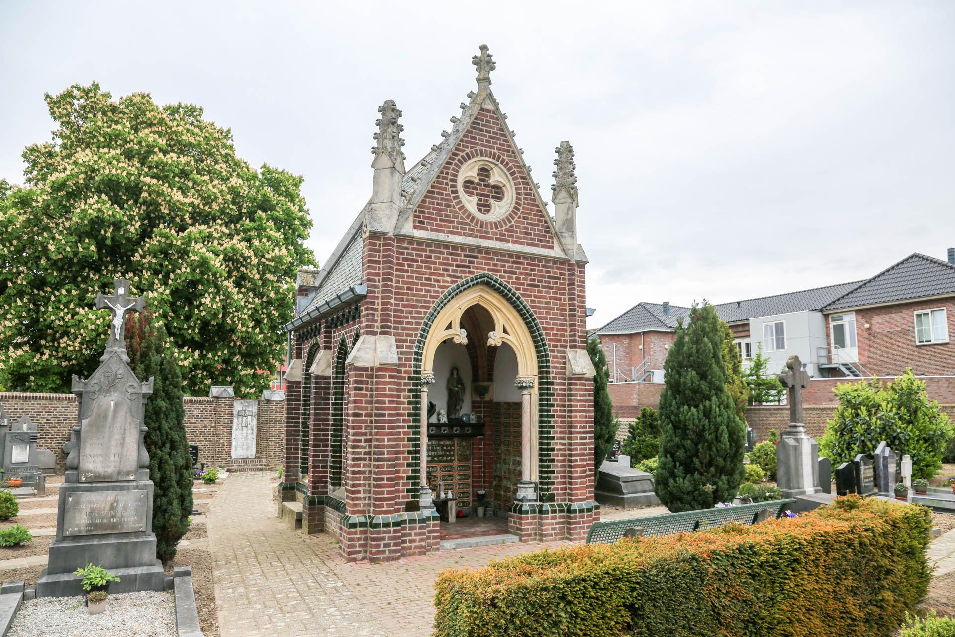 Kerkhofkapel-Nederweert-1