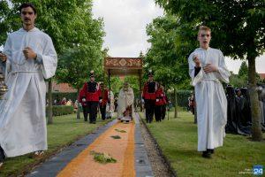 Vijf jaar sacramentsprocessie in Weert (Foto's)