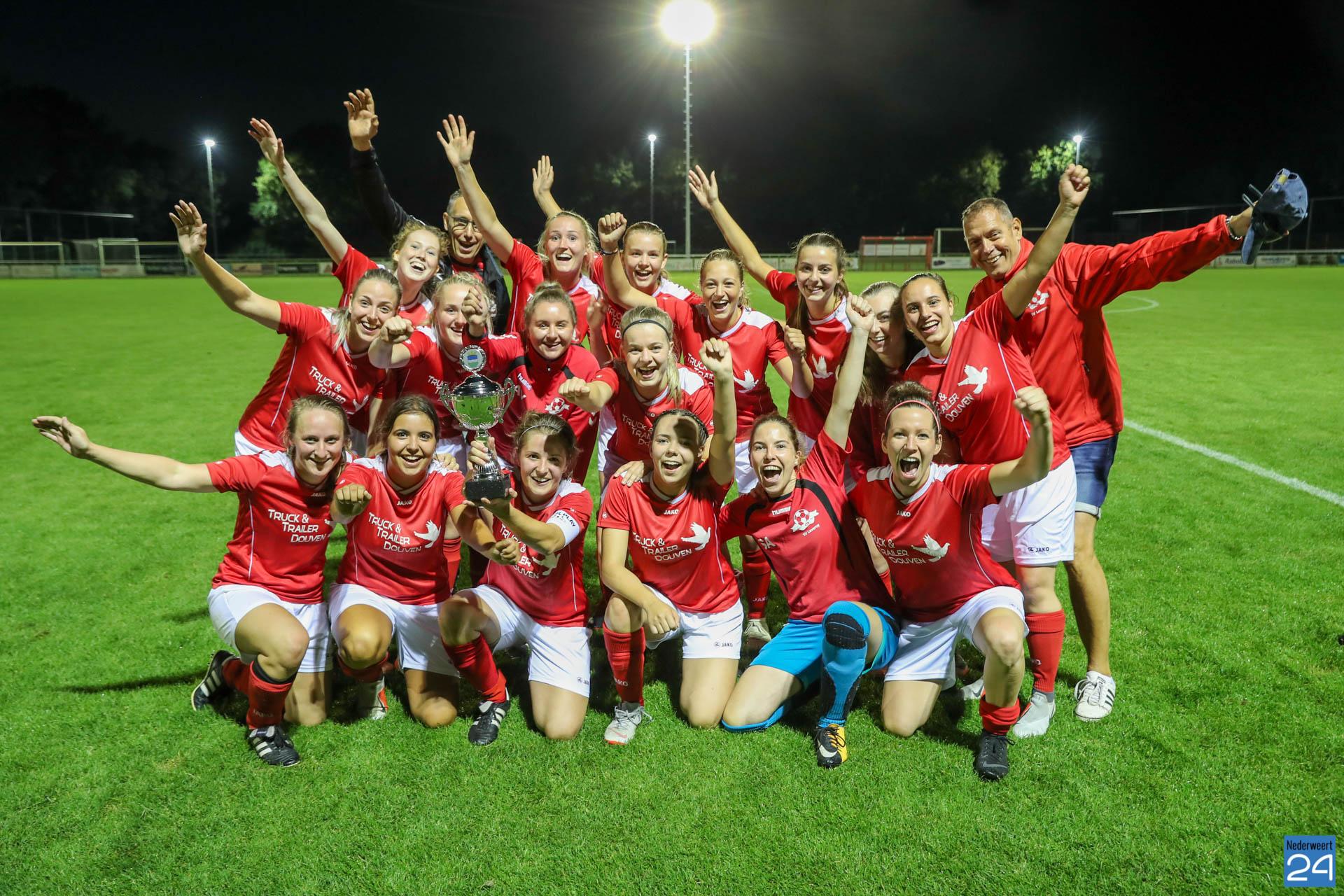 Dames uit Leveroy winnen allereerste 'Gemeentebeker Dames Toernooi' (Foto's) - Nederweert24 - Nederweert24