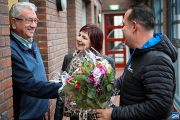 Bloemen voor mantelzorger Jan in Nederweert
