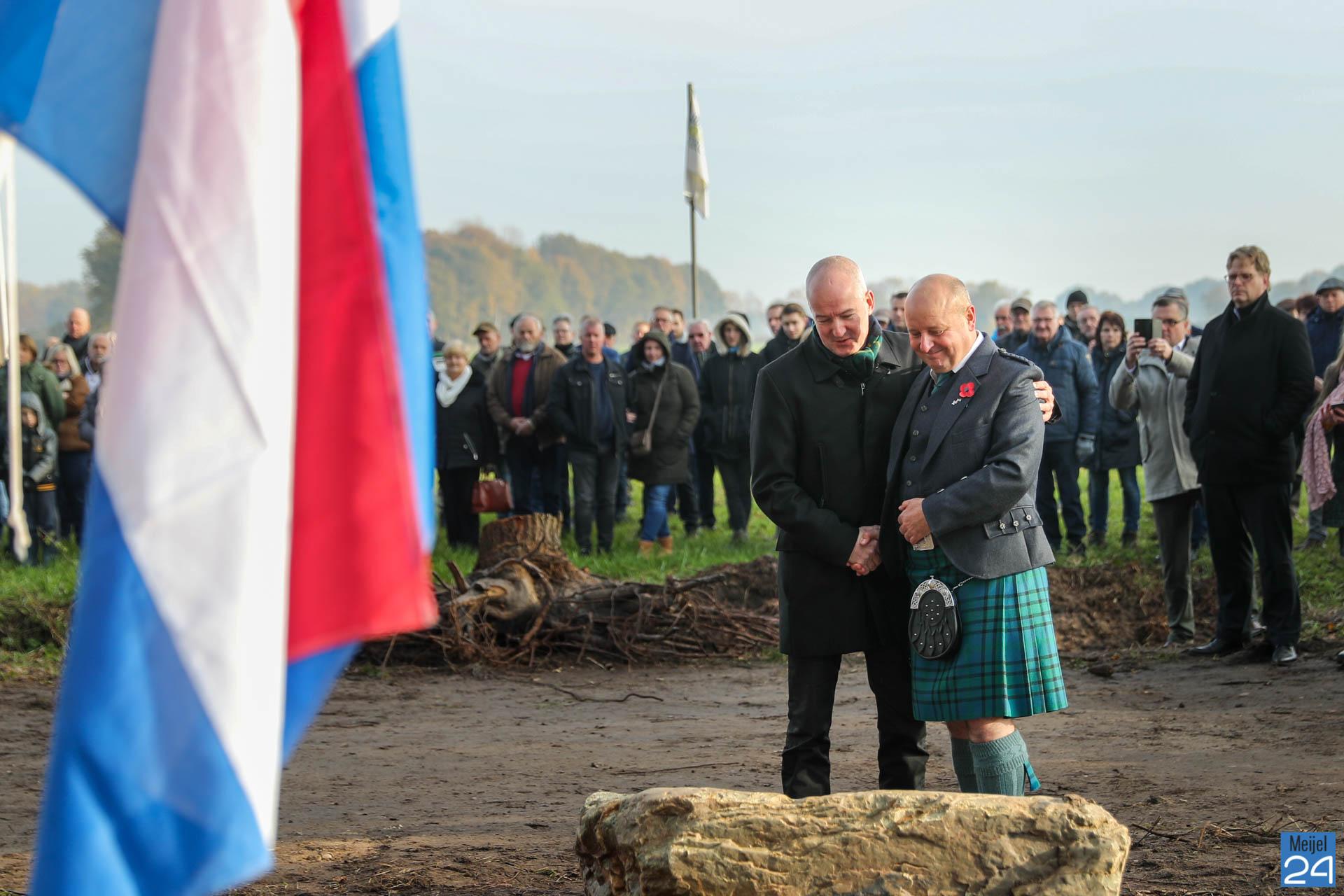 Herdenking bij Vesting en Belfort Vossenberg Meijel (Foto's) - Nederweert24 - Nederweert24