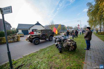 Herdenkingsrondrit met 75 authentieke Tweede Wereldoorlog voertuigen (Foto's)