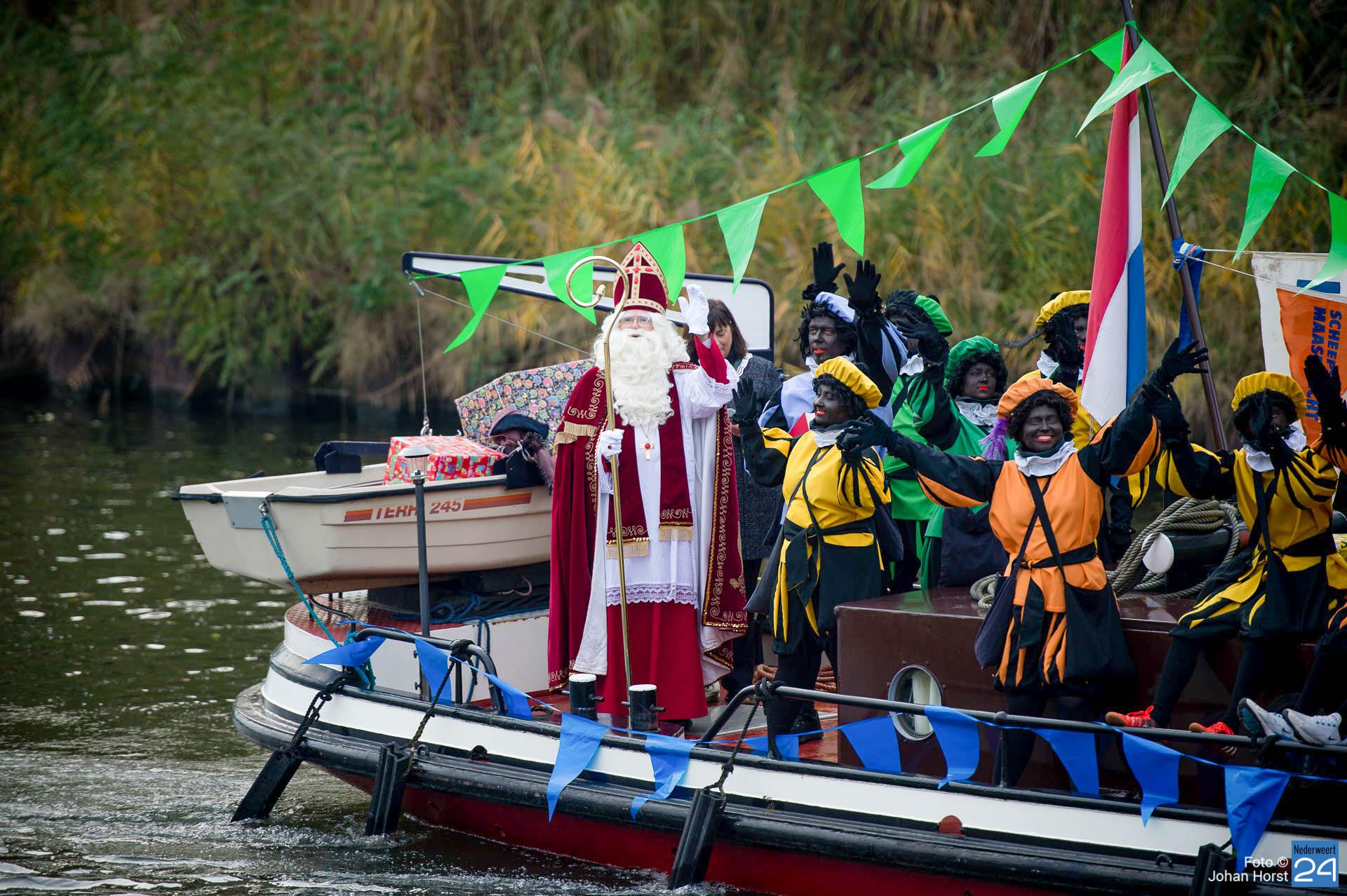 Sinterklaas komt met boot aan in Nederweert (Foto's) - Nederweert24 - Nederweert24